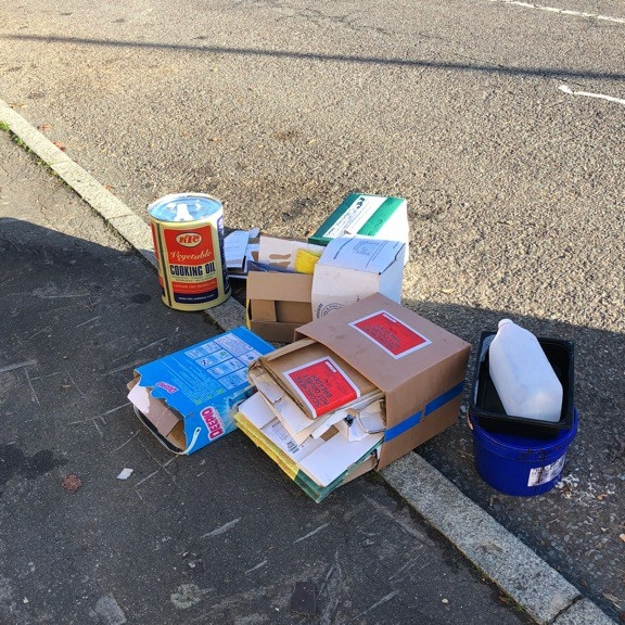 Fly-tipping at the top of Thornsbeach Road